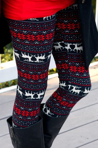 8-casual-christmas-party-outfits-with-leggings.