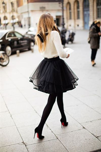 cute casual christmas party outfits with a tulle skirt fousta tutu 1