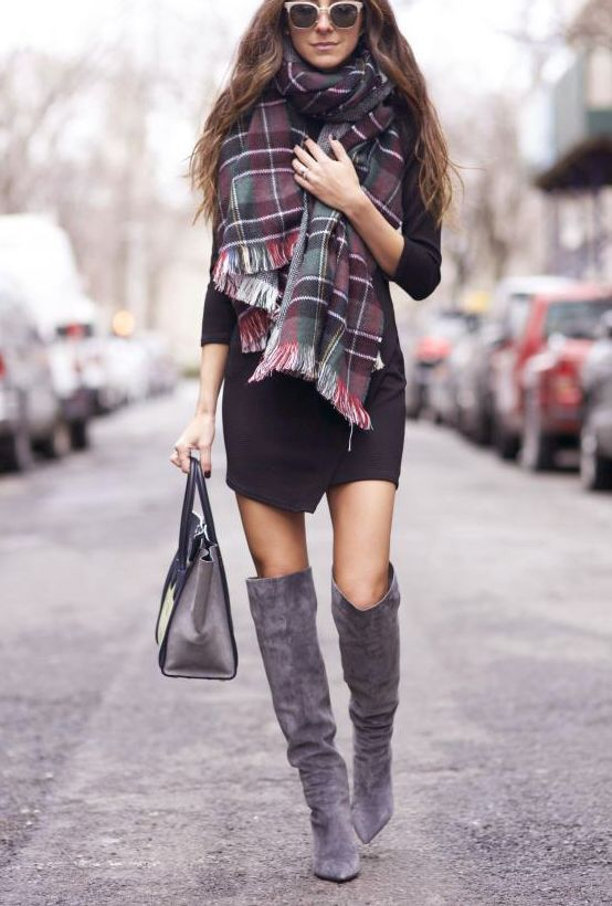 5 tips to combine boots with Christmas dresses