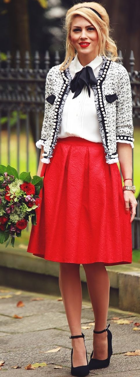 6-christmas-outfits-with-a-red-skirt-that- - 6 Christmas Outfits With A Red Skirt That You Will Love - Page 6 Of