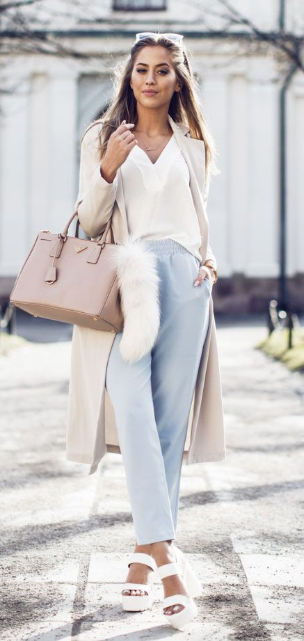 How To Wear Pastel Cigarette Pants In Spring Outfits